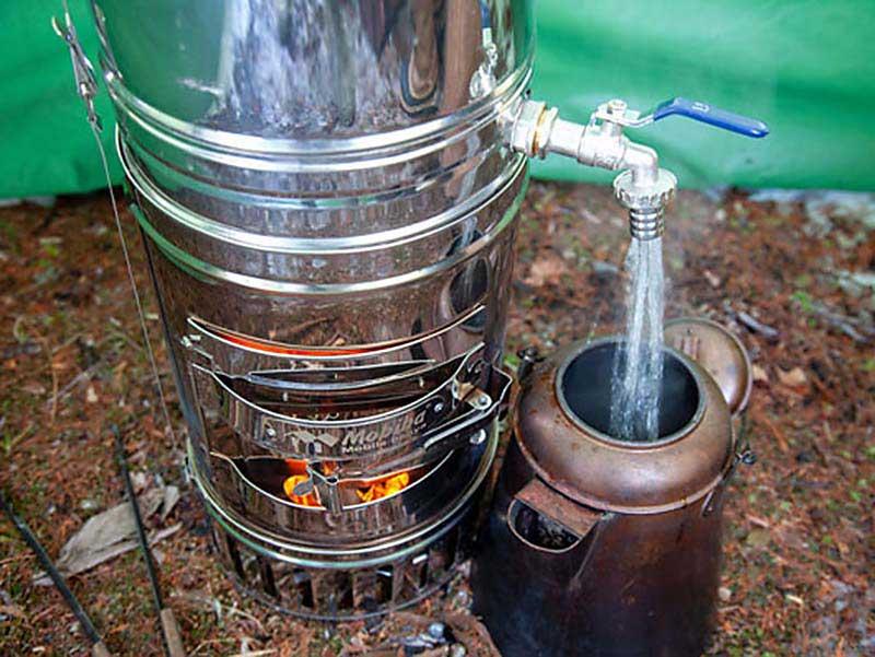Integrierter Wassertank von Holzofen Mobiba RB-170 K2